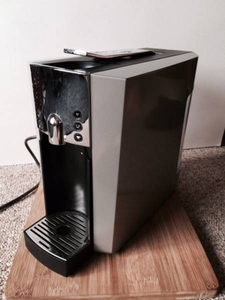 Starbucks Verismo 600 Brewer silver - Castanet Classifieds