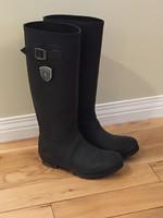 4cd6b1961ca Women s Boots - Castanet Classifieds - Ads for Kelowna