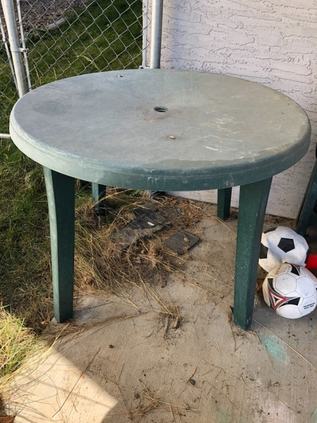PATIO TABLE - Castanet Classifieds