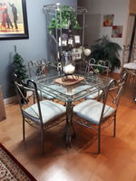 Castanet classifieds ads for kelowna penticton and for Dining room tables kelowna