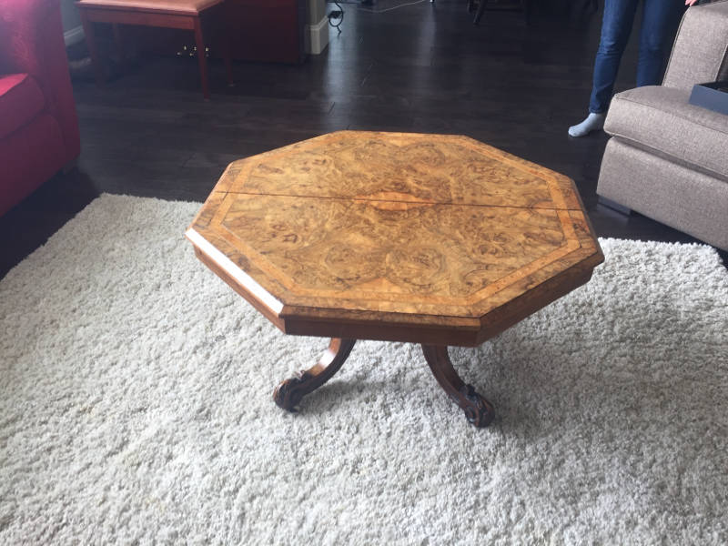 Antique coffee table with rosewood castanet classifieds for Coffee tables kelowna
