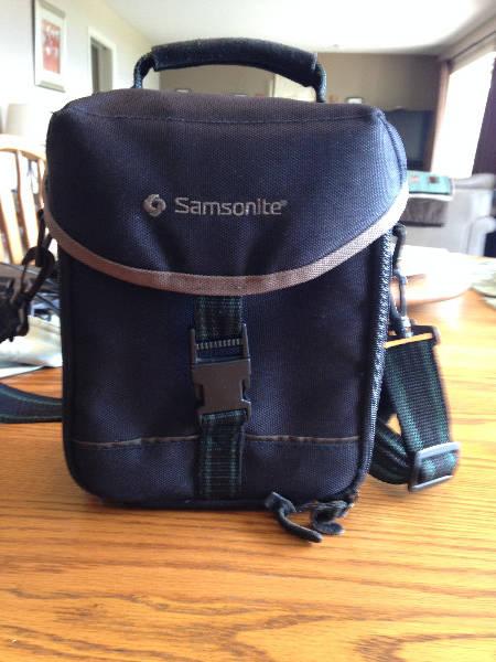 92652ed6e8b1 samsonite camera bag - Castanet Classifieds