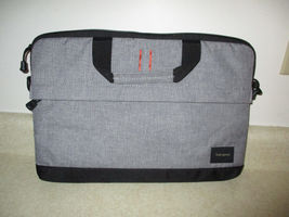 bc43e69885f7 Computer Bags   Accessories - Castanet Classifieds - Ads for Kelowna ...